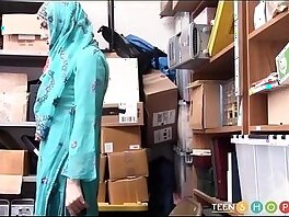 arab-caught-humiliation-shop